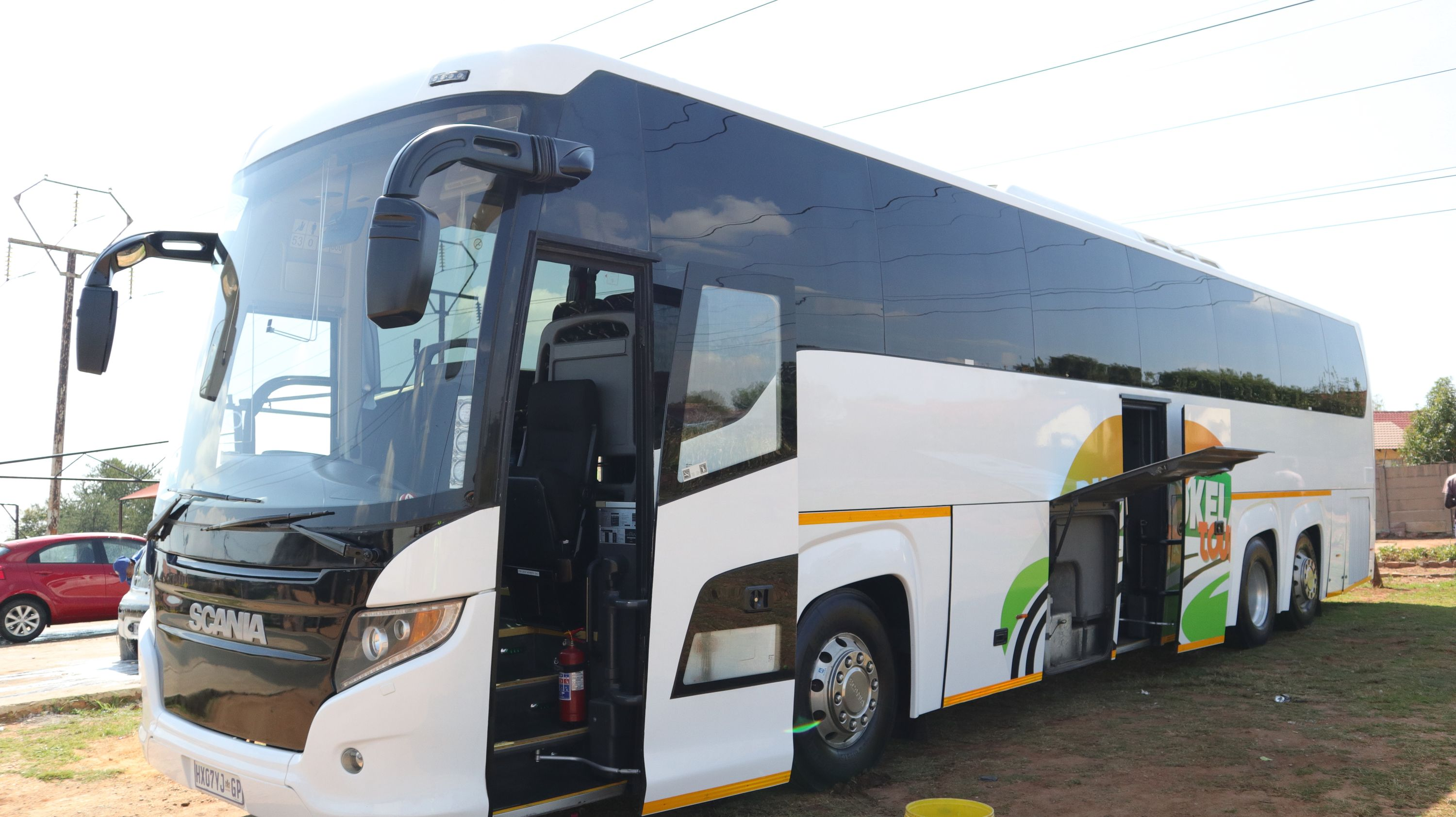 Phokela Tours Full Lux Bus_20