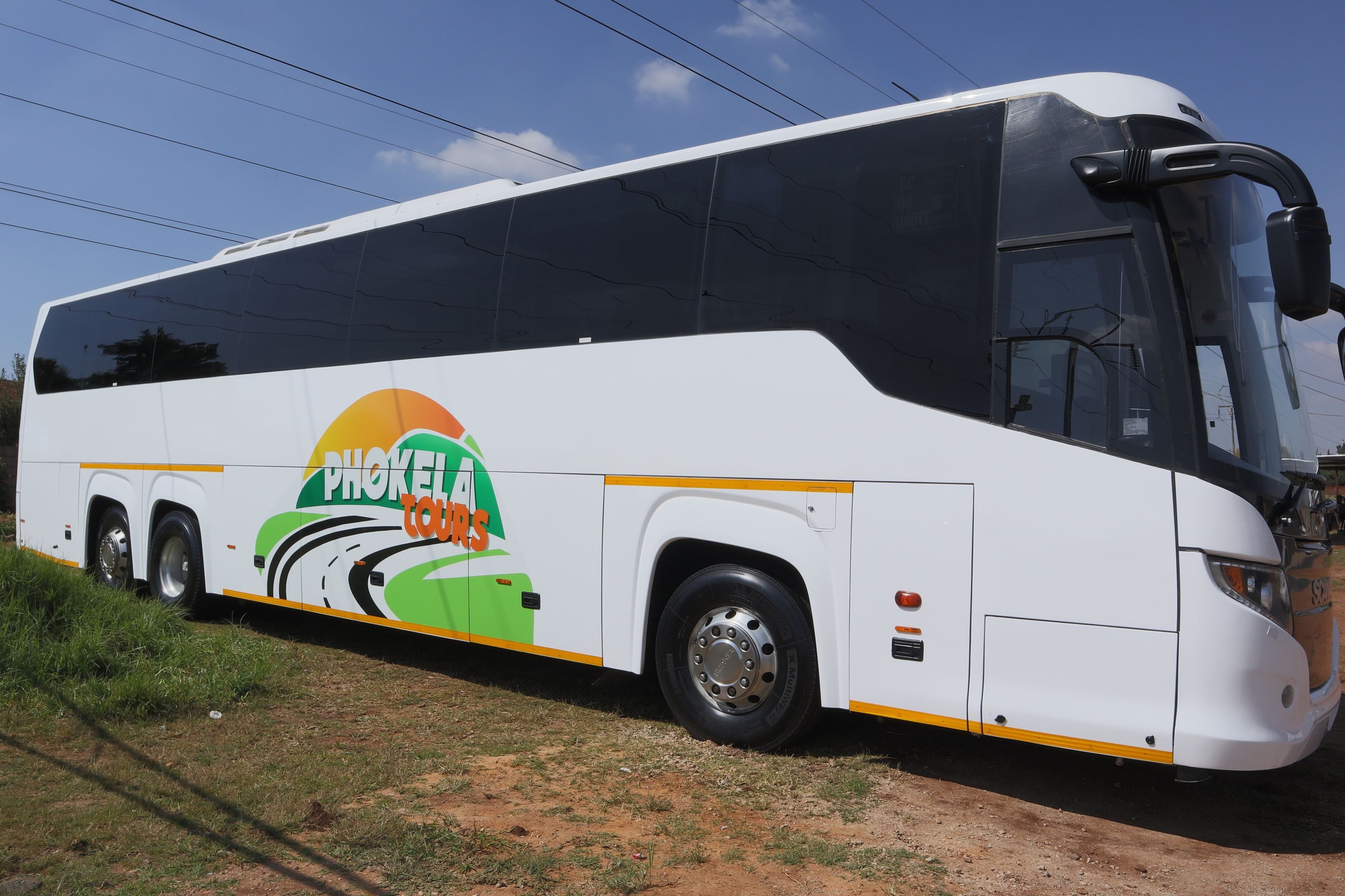 Phokela Tours Full Lux Bus_25